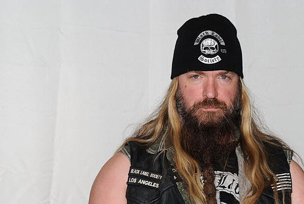 "Zakk Wylde Of Black Label Society Signs His New Album ""Order Of The Black"""