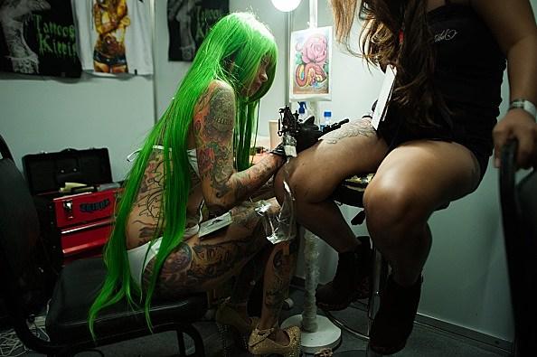 Dating a female tattoo artist